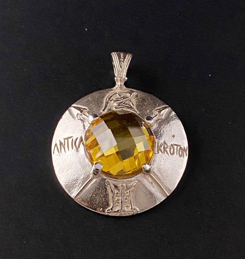 pendant-shield-the-romeo-mod-5021