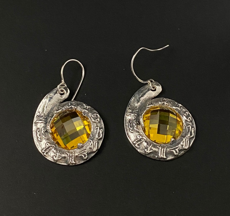 earrings-horoscope-yellow-5077