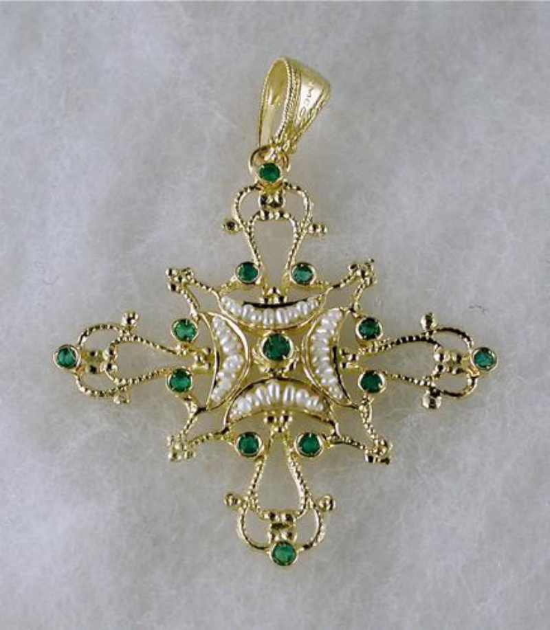 cross-romeo-with-pearls-and-gold-malta2-mod-3400
