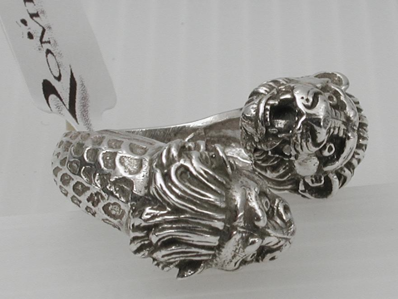 silver-ring-with-lions-cd-2663