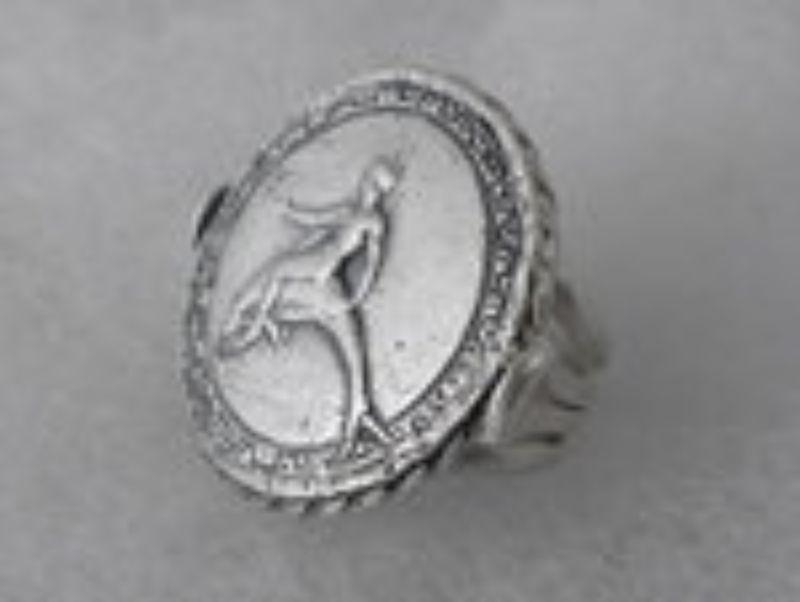 ring-taras-on-dolphin-4614