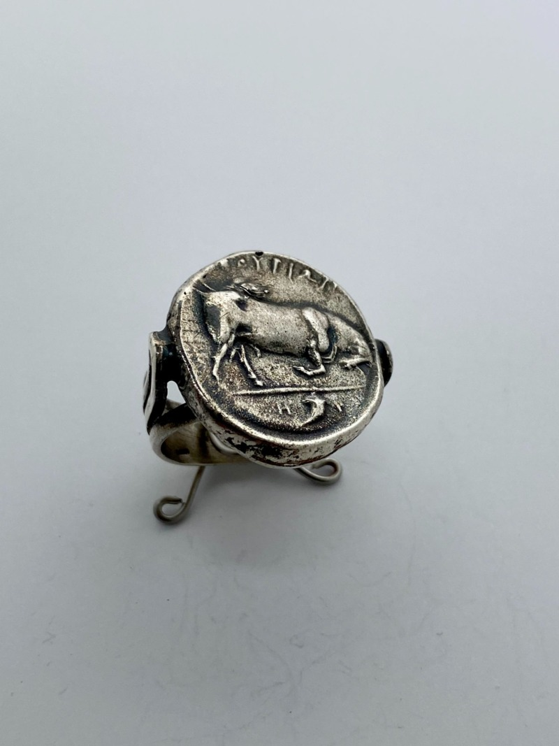 romeo-ring-with-coin-of-thurio