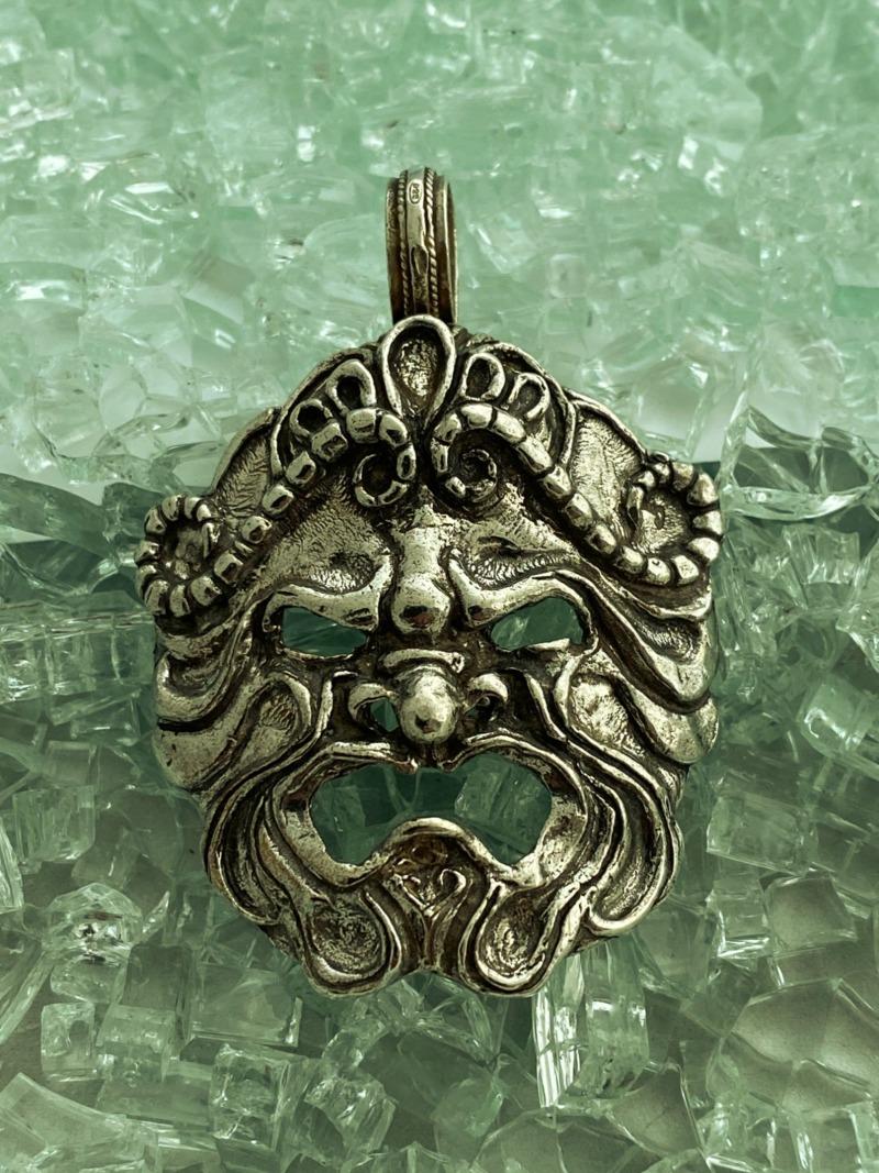 romeo-s-apotropaic-mask-mod-1756