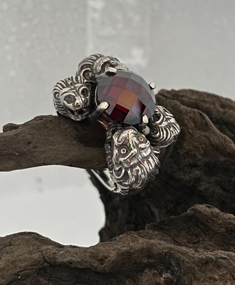 anello-romeo-leoni-con-pietra-rossa-mod-5144